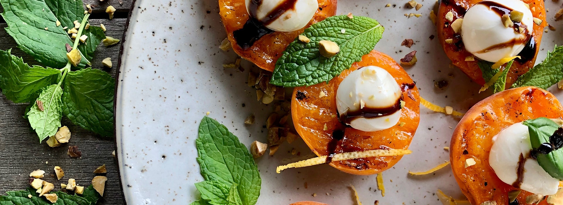 Tomato Cherry bocconcini apricot with balsamic glaze